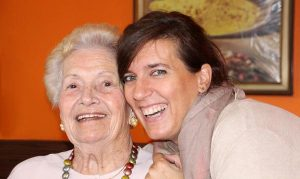 Aktywni seniorzy w domach seniora
