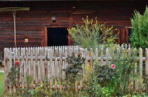 Dom drewniany na działce rekreacyjnej