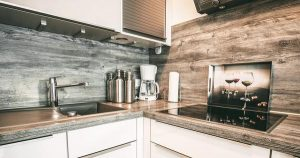 Z jakich materiałów wykonuje się zlewy kuchenne?