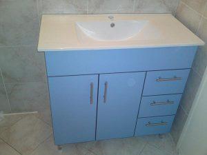 Solidne blaty łazienkowe