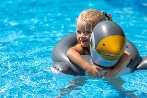 Koszt zadaszenia basenowego