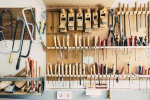 Read more about the article Wykorzystywanie narzędzi warsztatowych